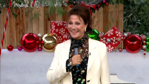 """Flashback: Michele Lee sings """"Have Yourself a Merry Little Christmas"""""""